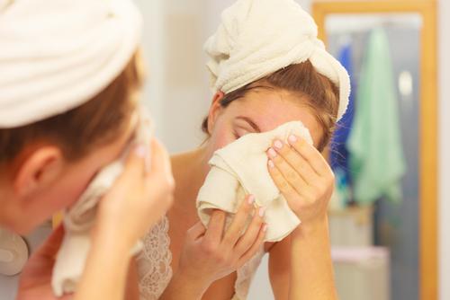 乾燥ニキビ 見分け方 過度な洗顔