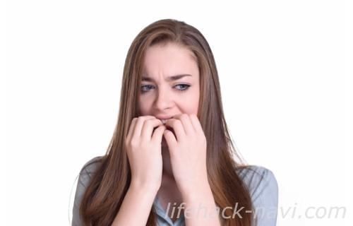 顔 テカリ 原因 ホルモンバランス