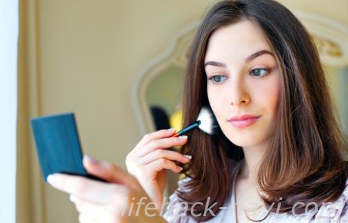 顔 テカリ 対策 化粧直し 保湿