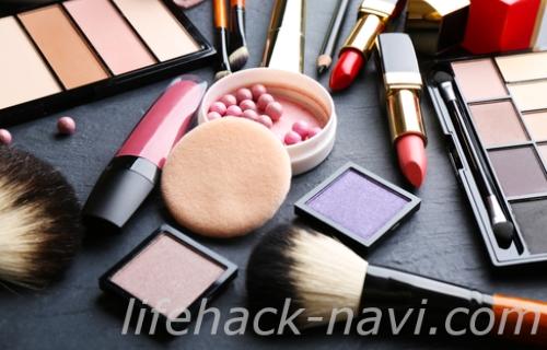 顔 乾燥 原因 化粧品