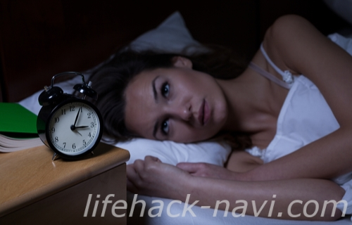 二の腕 ブツブツ 原因 睡眠
