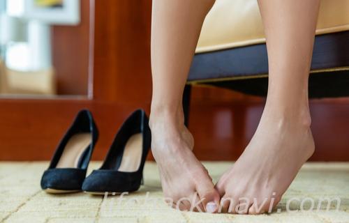 足爪 割れる 原因 ダメージ