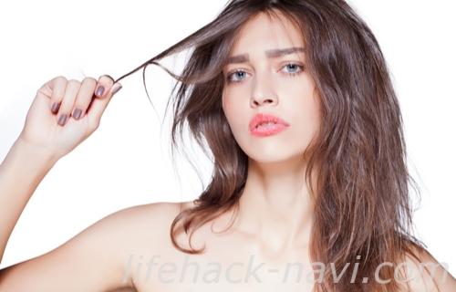 髪 癖毛 原因 ツヤ