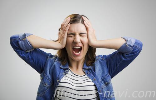 まぶた ピクピク 原因 ストレス