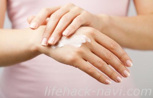 手の甲 血管 浮き出る 保湿