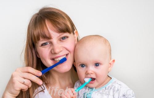 赤ちゃん 歯ブラシ 慣れる
